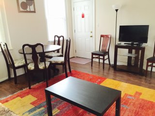 2BEDROOM,nearMETRO&DC,parking,5bed,0stair,WIFI,AC - Arlington vacation rentals