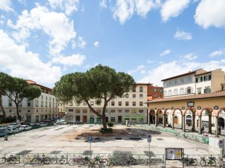 2 bedrooms 2 bathrooms with frescoes - Florence vacation rentals