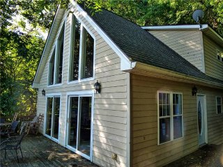 Nice Chalet with A/C and Television - Whittier vacation rentals