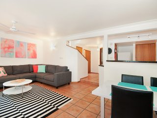 Perfect House with Shared Outdoor Pool and Garage - Byron Bay vacation rentals