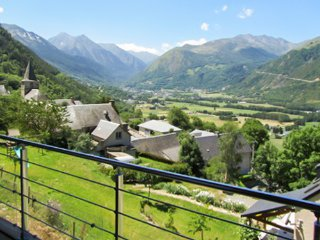 Les Gîtes de Camparan - a gorgeous chalet with mountain views and a jacuzzi – 3 km from the slopes! - Guchan vacation rentals