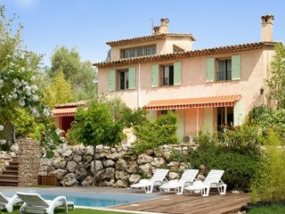 La Campagne - a spacious, 4-bedroom house in La Gaude with a swimming pool – minutes from Vence! - La Gaude vacation rentals