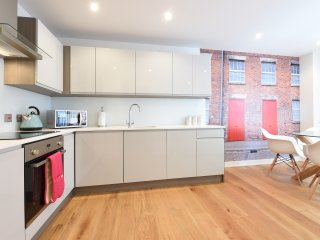 7E Northern Quarter, 2 Bed, Sleeps 6 - Manchester vacation rentals