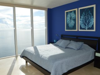 DIRECT OCEAN! MASSIVE CORNER! WOW! LARGE BALCONY! - Sunny Isles Beach vacation rentals