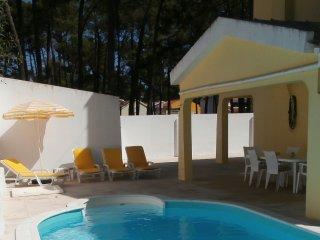 Villa w/pool and wifi at Lisbon beaches - Charneca da Caparica vacation rentals