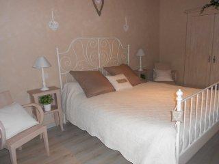 Chambre d' hôtes de charme en Bourgogne - Couches-les-Mines vacation rentals