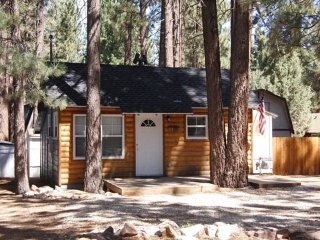 Adorable 2 bedroom Moonridge House with Internet Access - Moonridge vacation rentals