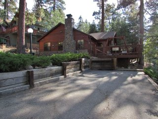 Charming House in Moonridge with Hot Tub, sleeps 6 - Moonridge vacation rentals