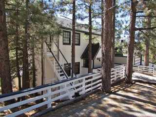 Perfect House with Hot Tub and Fireplace - Sugarloaf vacation rentals