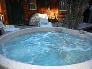 100 Cedar Hideaway - Moonridge vacation rentals