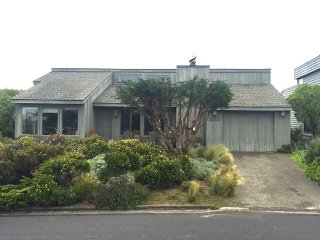 Cozy 3 bedroom House in Bodega Bay with Internet Access - Bodega Bay vacation rentals