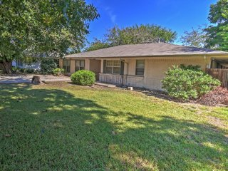 3BR Dallas/Mid-Cities Home Close to Attractions - Grand Prairie vacation rentals