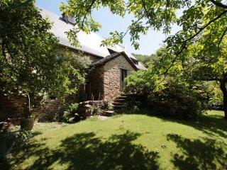 Romantisches und rustikales Steinhaus mit Garten - Altillac vacation rentals