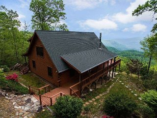 Cool View Cabin - Mountain Views & Hot Tub  - Cleaning fee incl. in rate! - Old Fort vacation rentals