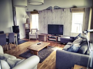 Luxury, modern, character barn conversion sleeping 10 - Castletown vacation rentals
