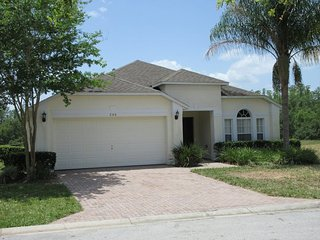 Great 4 bed pool / spa home close to Disney - Davenport vacation rentals