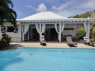 Superbe villa 3 chambres, piscine, côte Caraibe - Sainte-Anne vacation rentals