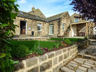 THE OLD MISTAL, all ground floor, multi-fuel stove and woodburner, WiFi - Otley vacation rentals