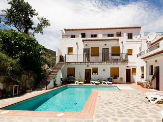 Beautiful 3 bedroom Townhouse in Pinos del Valle - Pinos del Valle vacation rentals