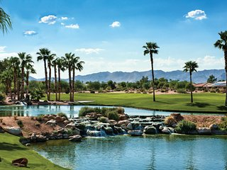 Warm and welcoming home in a 55+ resort community - Goodyear vacation rentals