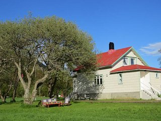 Charming house by the sea - Melbu vacation rentals