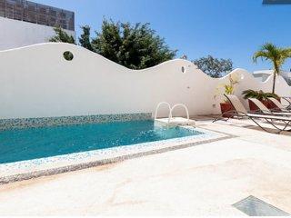 NICE 2 BDRM APT IN THE HEART OF PLAYA!!! - Playa del Carmen vacation rentals