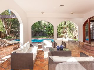 Prime Location Gorgeous Home w/Pool/5min Universal - Los Angeles vacation rentals