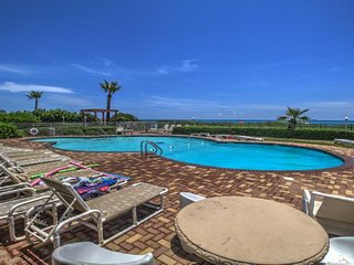 Condo on the beach w/shared pool, hot tub, sauna, & island views! - Port Isabel vacation rentals