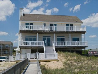 3 bedroom House with Hot Tub in Emerald Isle - Emerald Isle vacation rentals