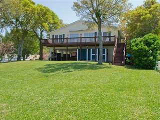 Beautiful 4 bedroom Emerald Isle House with Grill - Emerald Isle vacation rentals