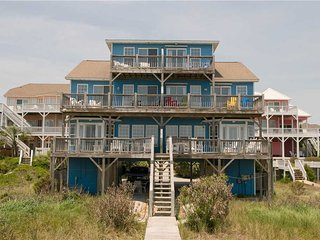 3 bedroom House with Shared Outdoor Pool in Emerald Isle - Emerald Isle vacation rentals