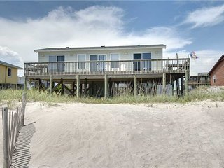 2 bedroom House with Grill in Emerald Isle - Emerald Isle vacation rentals