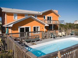 Bright 6 bedroom Emerald Isle House with Shared Outdoor Pool - Emerald Isle vacation rentals