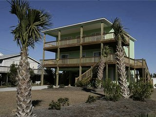 5 bedroom House with Shared Outdoor Pool in Emerald Isle - Emerald Isle vacation rentals