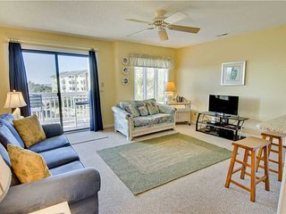 3 bedroom Condo with Shared Outdoor Pool in Emerald Isle - Emerald Isle vacation rentals