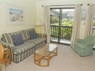 1 bedroom Condo with Shared Outdoor Pool in Emerald Isle - Emerald Isle vacation rentals