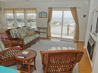 Cozy Condo with Hot Tub and Shared Outdoor Pool - Emerald Isle vacation rentals