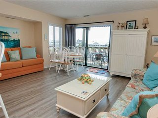 Romantic 1 bedroom Apartment in Emerald Isle with Shared Outdoor Pool - Emerald Isle vacation rentals