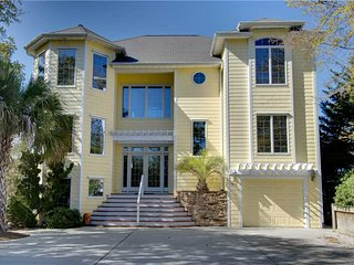Perfect House with Shared Outdoor Pool and Hot Tub - Emerald Isle vacation rentals