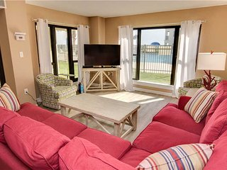 3 bedroom Apartment with Shared Outdoor Pool in Indian Beach - Indian Beach vacation rentals