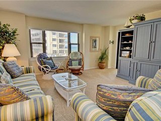 2 bedroom Apartment with Shared Outdoor Pool in Indian Beach - Indian Beach vacation rentals