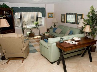 3 bedroom Condo with Shared Outdoor Pool in Indian Beach - Indian Beach vacation rentals