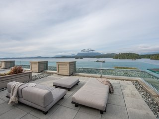 Unique Tofino Penthouse Stunning Views! - Tofino vacation rentals
