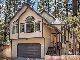 4BR, 2.5BA Modern & Central South Lake Tahoe Home in a Quiet Neighborhood - South Lake Tahoe vacation rentals