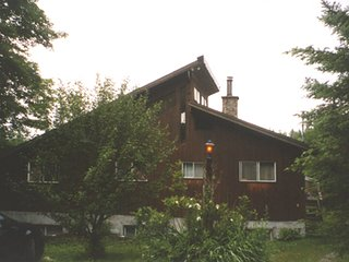Morin Heights Beautiful Lakefront Ski Chalet - Morin Heights vacation rentals