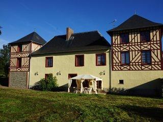 """Manoir des ARTS, Chambre """"Vérone"""" - Saint-Samson-de-Bonfosse vacation rentals"""