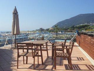 Meraviglioso appartamento sulla spaiggia - San Felice Circeo vacation rentals