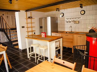 Bright 6 bedroom Vacation Rental in Szczyrk - Szczyrk vacation rentals