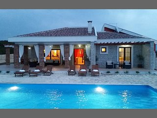 AMAZING VILLA 800M  FROM THE BEACH, ZRCE NOVALJA - Novalja vacation rentals