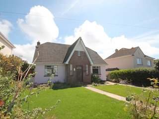 Large 3 bed detached sleeps7 close to town+beaches - Newquay vacation rentals